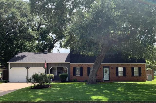 219 Narcissus Street, Lake Jackson, TX 77566 (MLS #91096426) :: KJ Realty Group