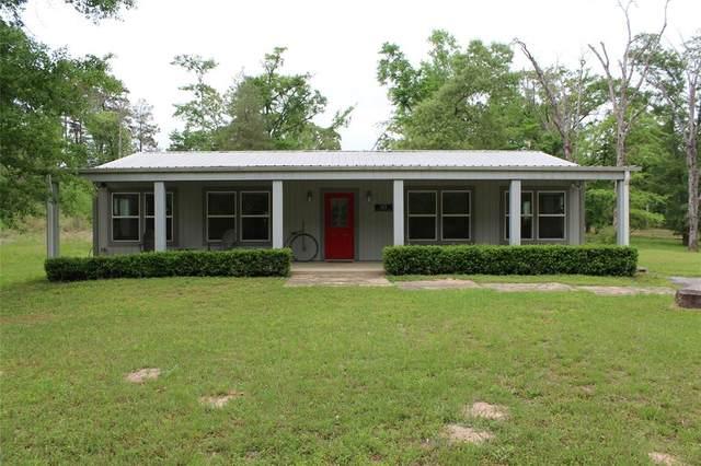 303 Lake Shore Drive, Grapeland, TX 75844 (MLS #91366321) :: The Property Guys