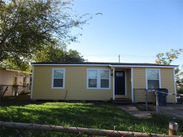 431 W 8th Street E, Freeport, TX 77541 (MLS #91389427) :: The SOLD by George Team