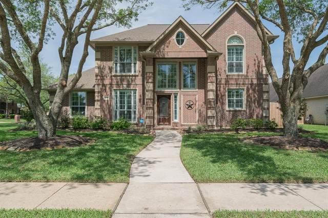 1699 Pensacola Lane, Friendswood, TX 77546 (MLS #91656671) :: Bay Area Elite Properties
