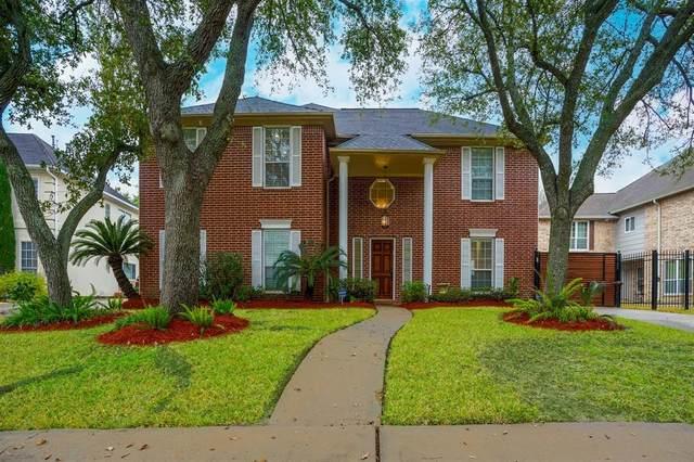 8915 Wallington Drive, Houston, TX 77096 (MLS #91767139) :: Guevara Backman