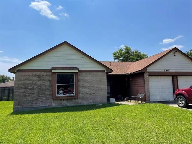 7807 Breda Drive, Baytown, TX 77521 (MLS #91805360) :: Christy Buck Team