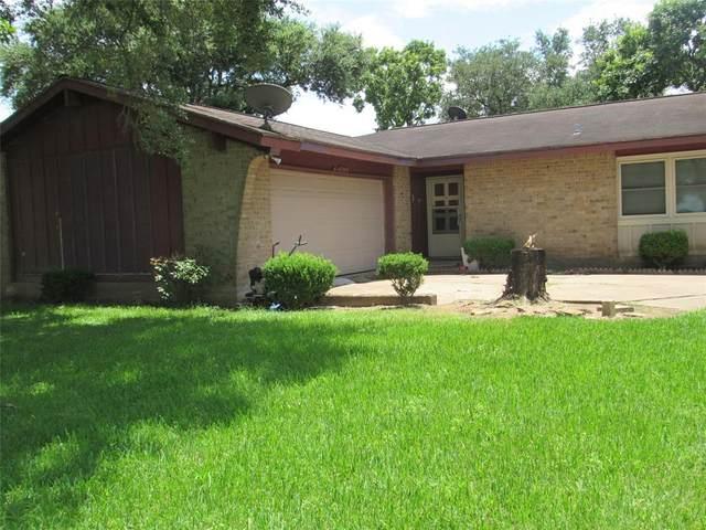 1130 Kingston Drive, Wharton, TX 77488 (MLS #91903230) :: Michele Harmon Team