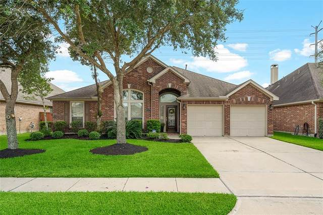 13617 Rainwater Drive, Pearland, TX 77584 (MLS #91963901) :: Christy Buck Team