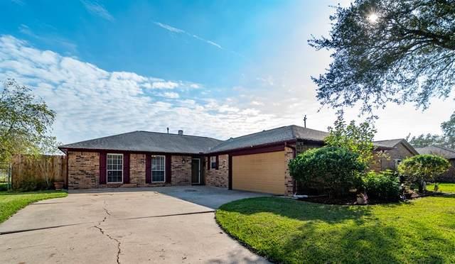 367 Merriwether Drive, Alvin, TX 77511 (MLS #92094515) :: NewHomePrograms.com LLC