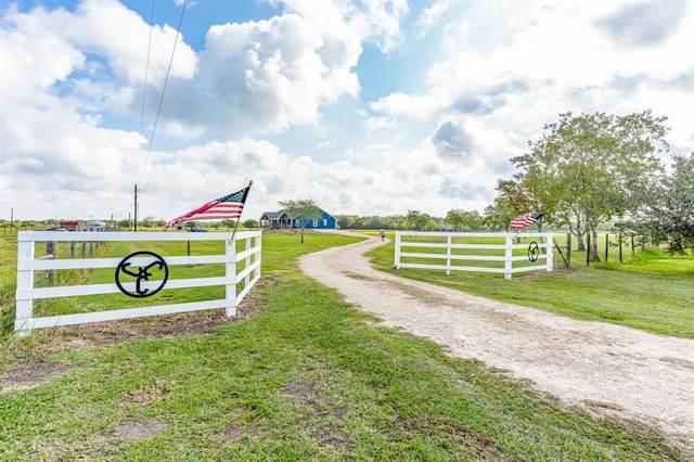 5049 County Road 208, Danbury, TX 77534 (MLS #92132542) :: Green Residential