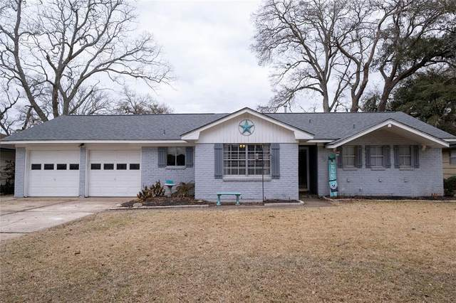 113 Sage Street, Lake Jackson, TX 77566 (MLS #92205631) :: Michele Harmon Team