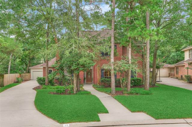 30 E Bonneymead Circle, The Woodlands, TX 77381 (MLS #92302924) :: The Parodi Team at Realty Associates