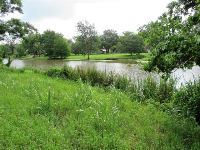 543 Mill Road, Angleton, TX 77515 (MLS #92305148) :: The Heyl Group at Keller Williams