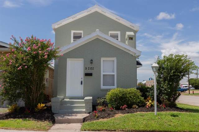 5202 Avenue L, Galveston, TX 77551 (MLS #92321203) :: The SOLD by George Team