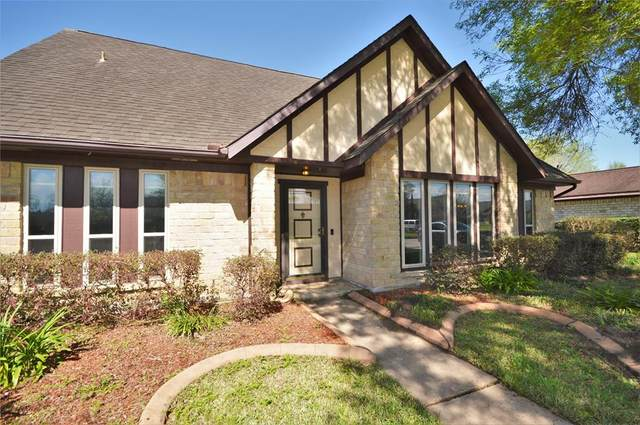 10527 Sagerock Drive, Houston, TX 77089 (MLS #9232568) :: The Bly Team