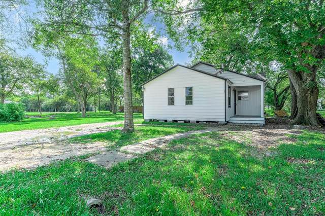 209 Avenue F, Alvin, TX 77511 (MLS #92329147) :: Michele Harmon Team