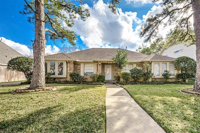 15011 Rock Knoll Drive, Houston, TX 77083 (MLS #92337310) :: The Parodi Team at Realty Associates