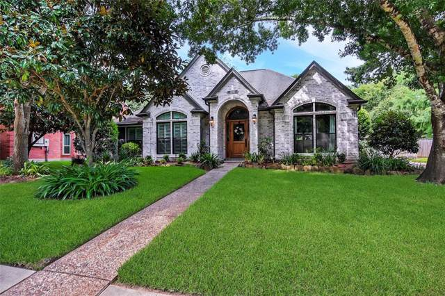 1209 Verdun Lane, Friendswood, TX 77546 (MLS #92550315) :: The Heyl Group at Keller Williams