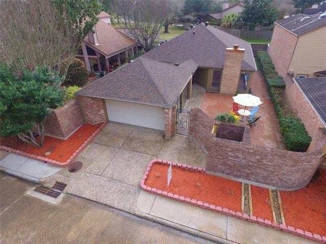 1914 Pepper Hill Way, Houston, TX 77058 (MLS #92570512) :: Giorgi Real Estate Group