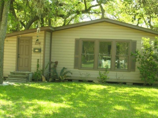 214 Jasmine Street, Lake Jackson, TX 77566 (MLS #92616570) :: Giorgi Real Estate Group