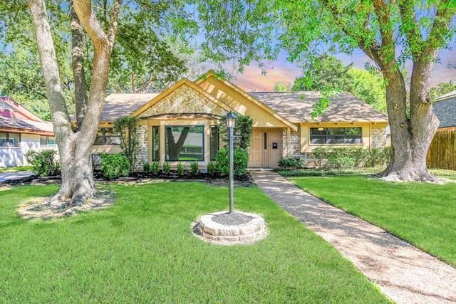 18327 Blanchmont Lane, Nassau Bay, TX 77058 (MLS #92789078) :: Ellison Real Estate Team