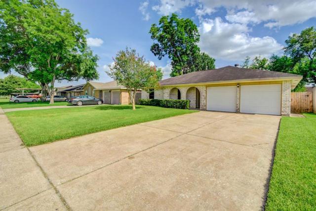 4226 San Augustine Avenue, Pasadena, TX 77503 (MLS #92792136) :: The Bly Team
