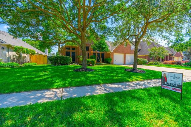 2134 Winding Springs Drive, League City, TX 77573 (MLS #92805789) :: The Bly Team
