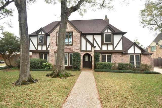 14743 Oak Bend Drive, Houston, TX 77079 (MLS #93042002) :: Lerner Realty Solutions