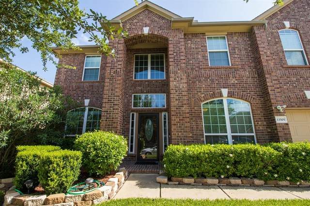 13505 Durango Pass Drive, Pearland, TX 77584 (MLS #931433) :: The Queen Team