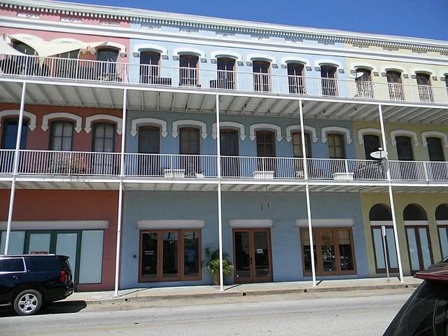 2318 Market Street #3, Galveston, TX 77550 (MLS #93255021) :: The Bly Team