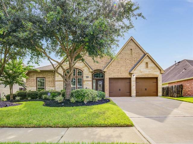 2605 Silent Walk Court, Pearland, TX 77584 (MLS #93398869) :: The SOLD by George Team