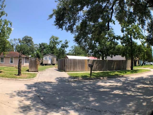 5955 Southseas Street, Houston, TX 77033 (MLS #93405129) :: The SOLD by George Team