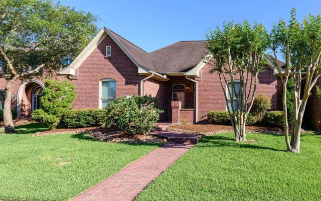 2 Heritage Oak Court, Lake Jackson, TX 77566 (MLS #93458024) :: Giorgi Real Estate Group
