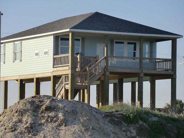 1606 Galveston Avenue, Port Bolivar, TX 77650 (MLS #93465946) :: Texas Home Shop Realty
