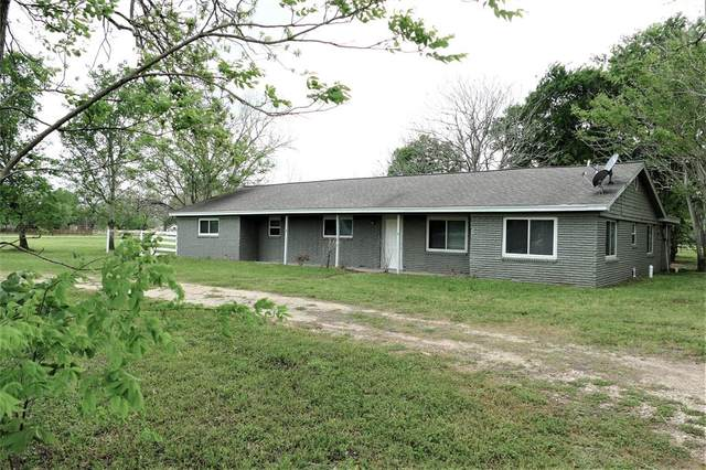 415 Stockade Drive, Simonton, TX 77476 (MLS #93467913) :: Ellison Real Estate Team