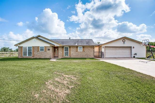 9722 County Road 405, Clute, TX 77531 (MLS #93531070) :: The SOLD by George Team