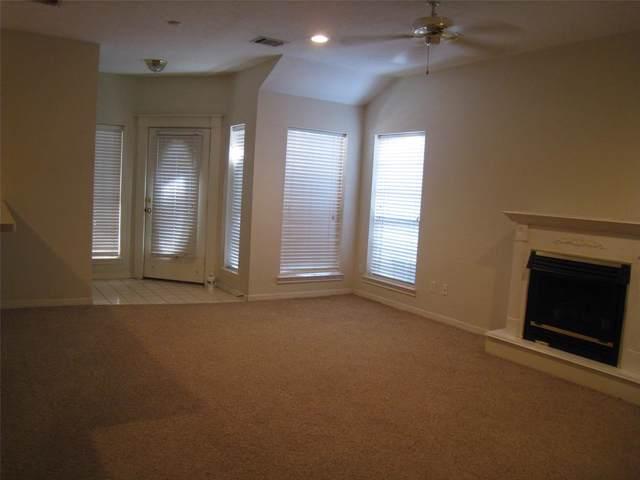 1728 Hazelwood, Conroe, TX 77301 (MLS #93541936) :: Christy Buck Team