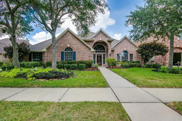 306 Green Oaks Drive, League City, TX 77573 (MLS #93571776) :: The SOLD by George Team