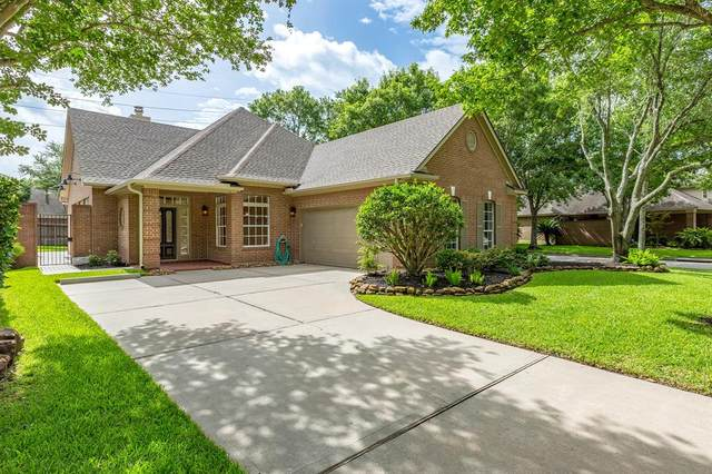 2602 S Strathford Lane S, Houston, TX 77345 (MLS #93603496) :: The Parodi Team at Realty Associates