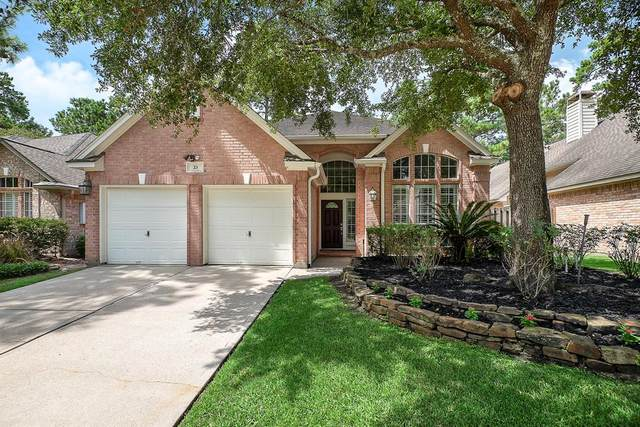 23 S Crossed Birch Place, The Woodlands, TX 77381 (MLS #93654326) :: Christy Buck Team