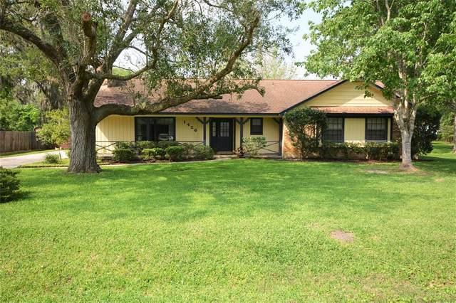 1426 North Road, Lake Jackson, TX 77566 (MLS #93675757) :: CORE Realty