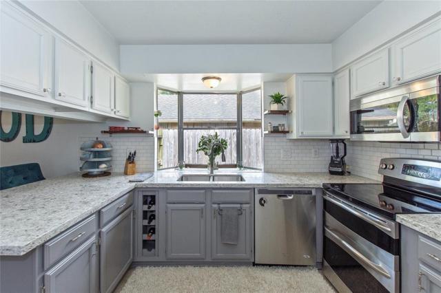 5326 Shady Gardens Drive, Kingwood, TX 77339 (MLS #93702140) :: Texas Home Shop Realty