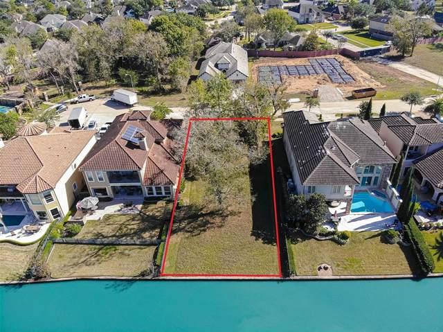 1015 Williams Lake Drive, Richmond, TX 77469 (MLS #93837514) :: Parodi Group Real Estate