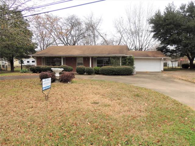 802 E Bowie Avenue, Crockett, TX 75835 (MLS #93882289) :: Texas Home Shop Realty