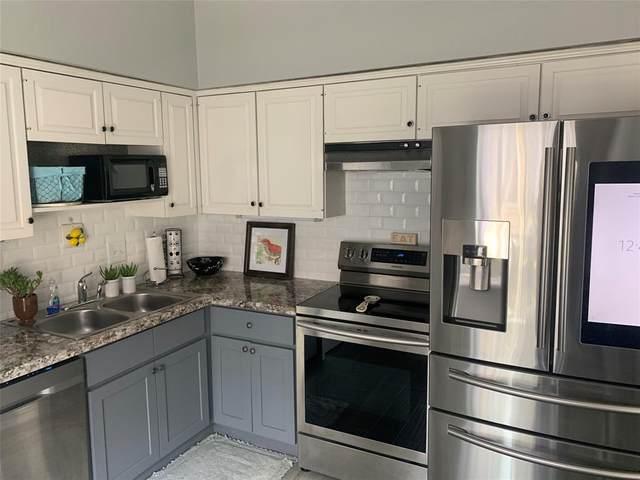 840 Threadneedle Street #210, Houston, TX 77079 (MLS #93912764) :: My BCS Home Real Estate Group