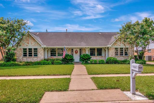 9019 Sterlingame Drive, Houston, TX 77031 (MLS #94047356) :: Caskey Realty