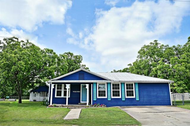 407 W Sarah Street, Cuero, TX 77954 (MLS #94048222) :: Texas Home Shop Realty