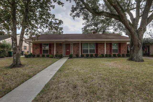 5931 Warm Springs Road, Houston, TX 77035 (MLS #94201868) :: Guevara Backman