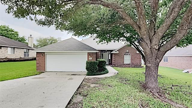 323 Leisure Lane, Montgomery, TX 77356 (MLS #94239661) :: The SOLD by George Team