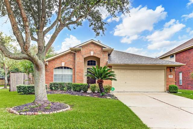 3334 Pebble Beach Lane, Pearland, TX 77584 (MLS #94265343) :: The Freund Group