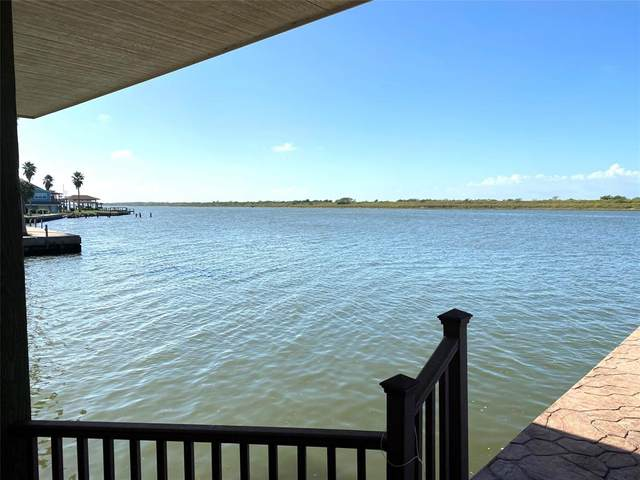 1301 Island Boulevard, Crystal Beach, TX 77650 (MLS #94271837) :: Christy Buck Team