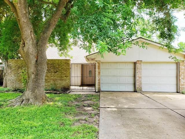15718 Stonehaven Drive, Houston, TX 77059 (#94389230) :: ORO Realty