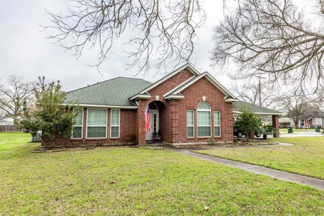 621 Front Street, Columbus, TX 78934 (MLS #94419180) :: The Sansone Group