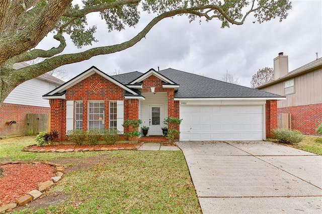 4402 Spoonbill Drive, Seabrook, TX 77586 (MLS #94440356) :: Ellison Real Estate Team